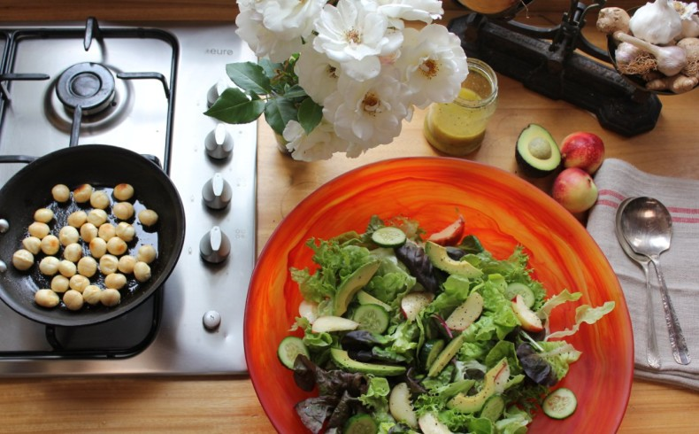 Toasted Macadamia and Nectarine Salad